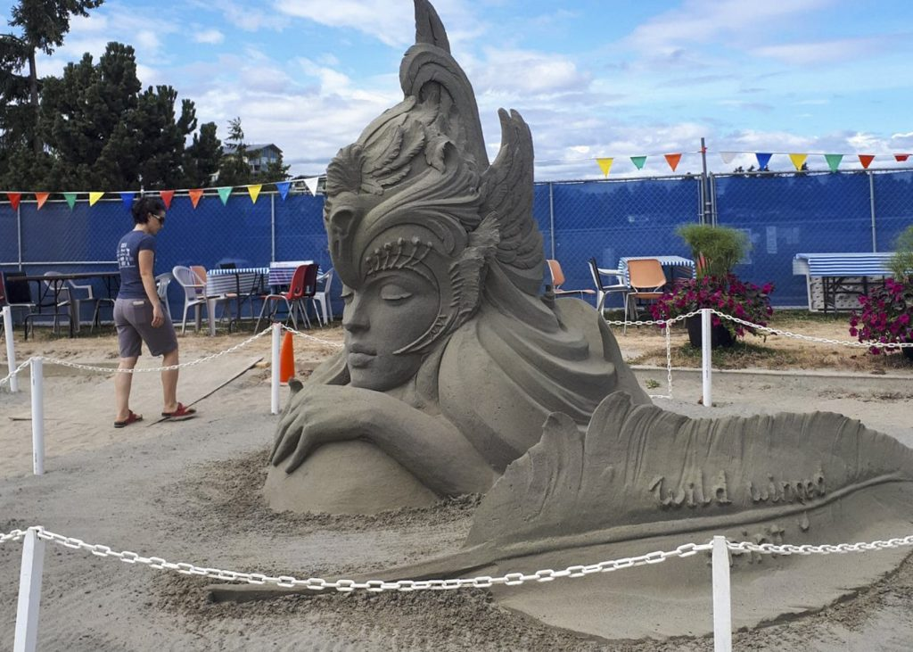 Parksville sand sculpting event